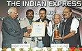 The Speaker, Lok Sabha, Shri Somnath Chatterjee, Presenting Excellence in Journalism - 2006 Award to Indian Express, in New Delhi on December 8, 2006.jpg