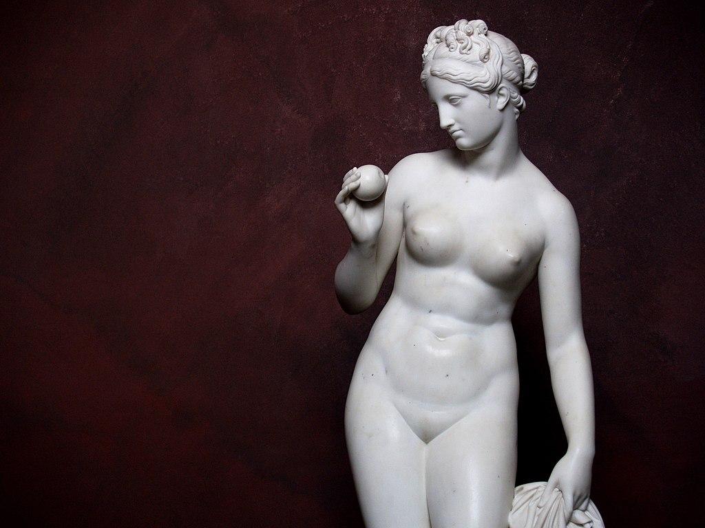 Venus avec une pomme au Bertel Thorvaldsen Museum de Copenhague. Photo de seier+seier+seier