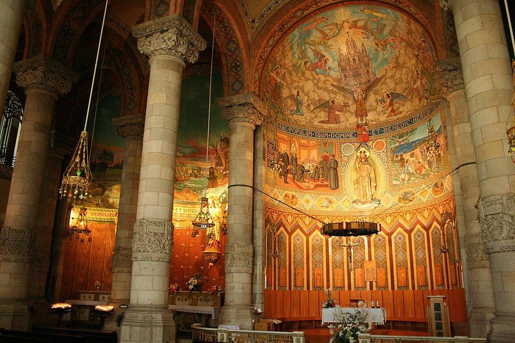 A l'intérieur du Sacré Coeur de Tibidabo à Barcelone.