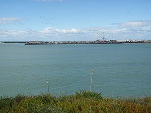 Washdyke Lagoon - Figure 3:Photograph of Timaru Port Breakwater, showing its large scale.