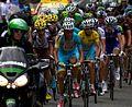 Tour de France 2014, groep gele trui (14867262084).jpg