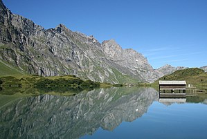 Trübsee - with reflections (1030459406).jpg