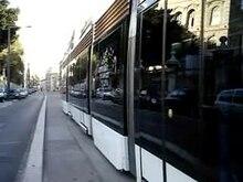 Datei:Tramway de Marseille - Ligne 2 - Boulevard Philippon.ogv