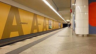 Adenauerplatz (Berlin U-Bahn) - Image: U Bahnhf Adenauerplatz