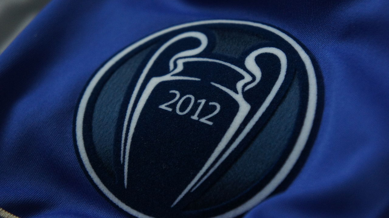 UEFA Champions: File:UEFA Champions League Titleholder Badge 2012.jpg
