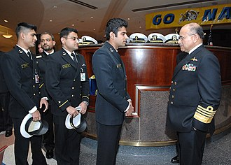 Pakistan Naval Academy - Chief of Naval Staff Admiral Noman Bashir meets with Pakistani Naval Academy students while visiting the U.S. Naval Academy.