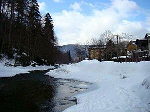 Azuga - Image: Valea Azuga 1