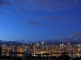 Vancouver from False Creek by https://commons.wikimedia.org/wiki/User:Kaveh