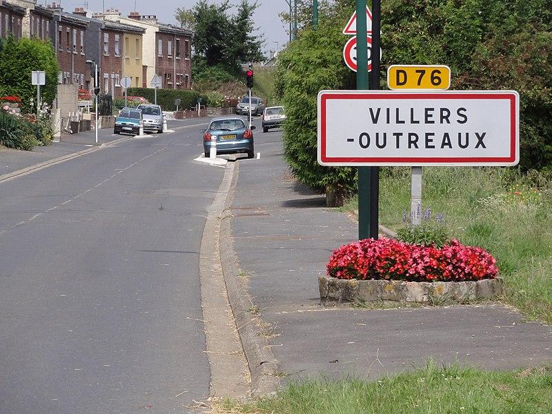 Villers-Outreaux (Nord) city limit sign