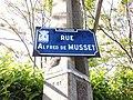 Villeurbanne - Rue Alfred de Musset, plaque.jpg