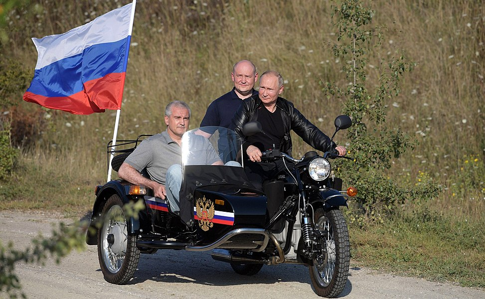Vladimir Putin with Night Wolves Motorclub (2019-08-10) 4.jpg