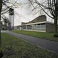 Voorzijde en rechterzijgevel met de luidtoren - Amsterdam - 20382355 - RCE.jpg