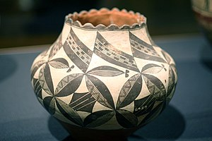 WLA brooklynmuseum Pueblo Acoma Water Jar