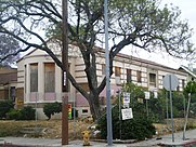 Washington_Irving_Branch_Library,_Los_Angeles.JPG