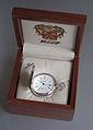 Wikipedia-Tissot-Taschenuhr-Silber925-Holzbox-2001.jpg