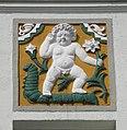 Wuppertal, Gertrudenstr. 29, linkes Putto-Relief.jpg