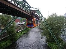 Wuppertal Schwebebahn 2005.jpg