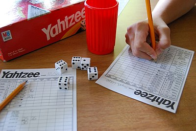 Picture of a game: Yahtzee