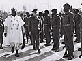 Yitzhak Rabin and Martin Houle inspecting police paratroupers from Tanzania on conclusion in Israel (D772-016).jpg
