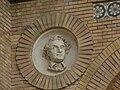 Zaragoza - Antigua Facultad de Medicina - Medallón - Liebig.jpg