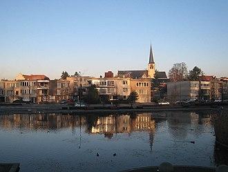 Zaventem - Image: Zaventem Centre Across Lake In Morning