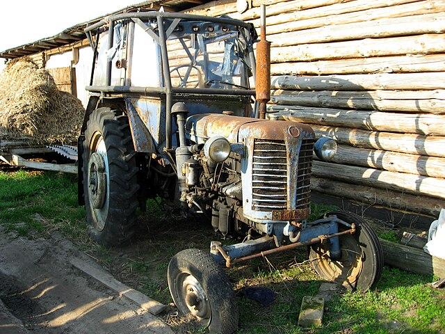 Plik:Zetor Super 50 traktor.jpg