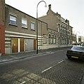 Zicht op de linkergevel, in het straatbeeld - Dordrecht - 20387442 - RCE.jpg