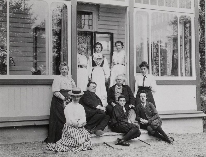File:(Adolph and Anna Brodskij visits Nina and Edvard Grieg at Troldhaugen) (3447567218).jpg