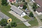 Ászár, Jászai Mari szülőháza légi fotón.jpg