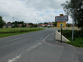 The road into Écourt-Saint-Quentin