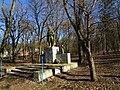 Пам'ятний знак воїнам-землякам, які загинули в роки Другої світової війни, с. Більче-Золоте (Борщівський район).jpg