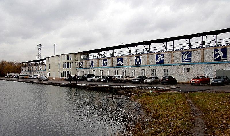 File:Стадион «Металлург» (Енакиево).jpg