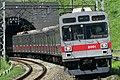 東急電鉄2000系電車.jpg