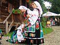 07764 Polonia Krasnojarsk, kostium lowicki, 2011 Sanok.jpg