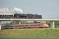 141-R et TGV Montereau mai 1987.jpg