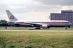 144et - American Airlines Boeing 767-323ER, N372AA@CDG,10.08.2001 - Flickr - Aero Icarus.jpg