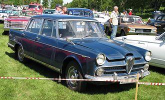 Alfa Romeo 2000 - 2000 Berlina front side.