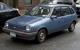 Suzuki Cultus - 1986 Chevrolet Sprint 5-door, showing older headlight style (US)