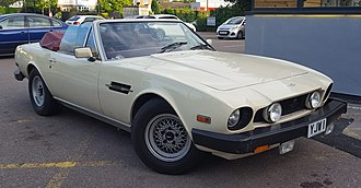 Aston Martin V8 - Aston Martin V8 Volante Series 2 with the later flat bonnet