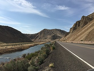 Carlin Canyon (Nevada) - View west along old U.S. Route 40 and the Humboldt River in the Carlin Canyon