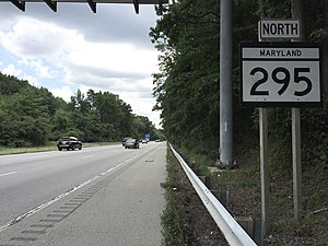 Baltimore–Washington Parkway - MD 295 signage along the northern segment of the parkway north of the MD 175 interchange