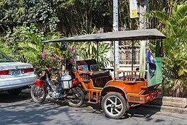 2016 Phnom Penh, Kambodżański tuk-tuk (01) .jpg
