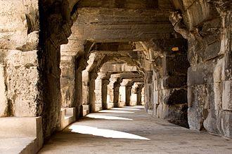 Arena of Nîmes - Image: 252 Ar nes NIM 2009
