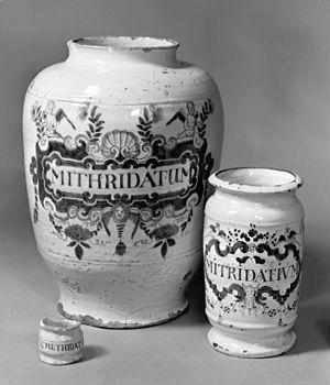 Mithridate - Three drug jars for mithridatum.