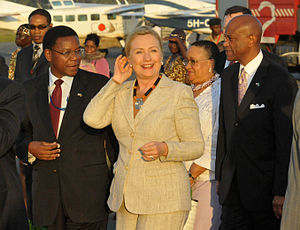 Bernard Membe - Membe with Hillary Clinton at the Dar es Salaam Airport, 2011