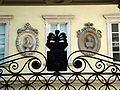 8910 - Milano - Busti nel cortile palazzo di Francesco Melzi D'Eril in via Manin - Foto Giovanni Dall'Orto - 13-Sept-2007.jpg