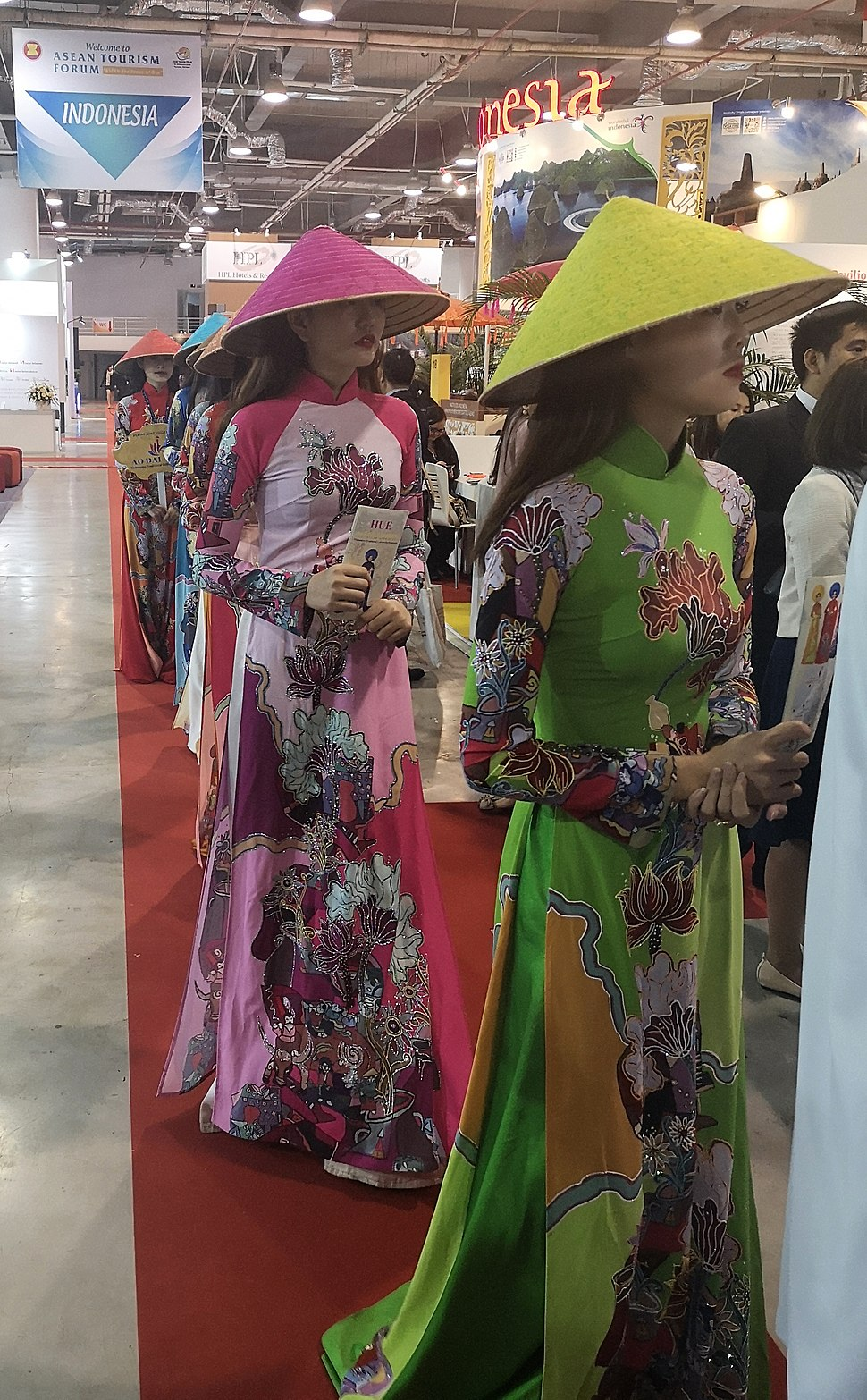 ASEAN Tourism Forum 2019 Vietnam woman cloth parade