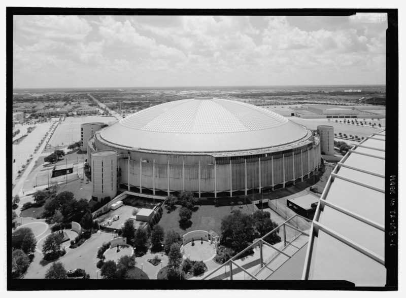 ASTRODOME LOOKING EAST FROM ROOFTOP OF ADJACENT RELIANT STADIUM (NEW NFL-RODEO STADIUM). - Houston Astrodome, 8400 Kirby Drive, Houston, Harris County, TX HAER TX-108-1