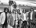 Aankomst Pretty Things (beatgroep) op Schiphol, v.l.n.r John Stax (basgitarist),, Bestanddeelnr 917-6656.jpg