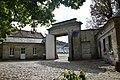 Abbaye du Moncel portail 2.JPG